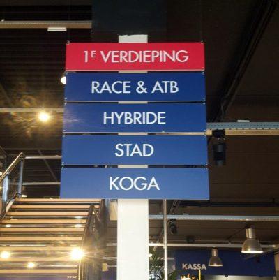 signcraft-rotterdam-interieur-signing-biketotaal-wijtman-bewegwijzering