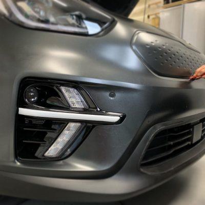 signcraft-rotterdam-wrap-kia-e-niro-sign-print-signing-carwrap-mat-satin-carbon