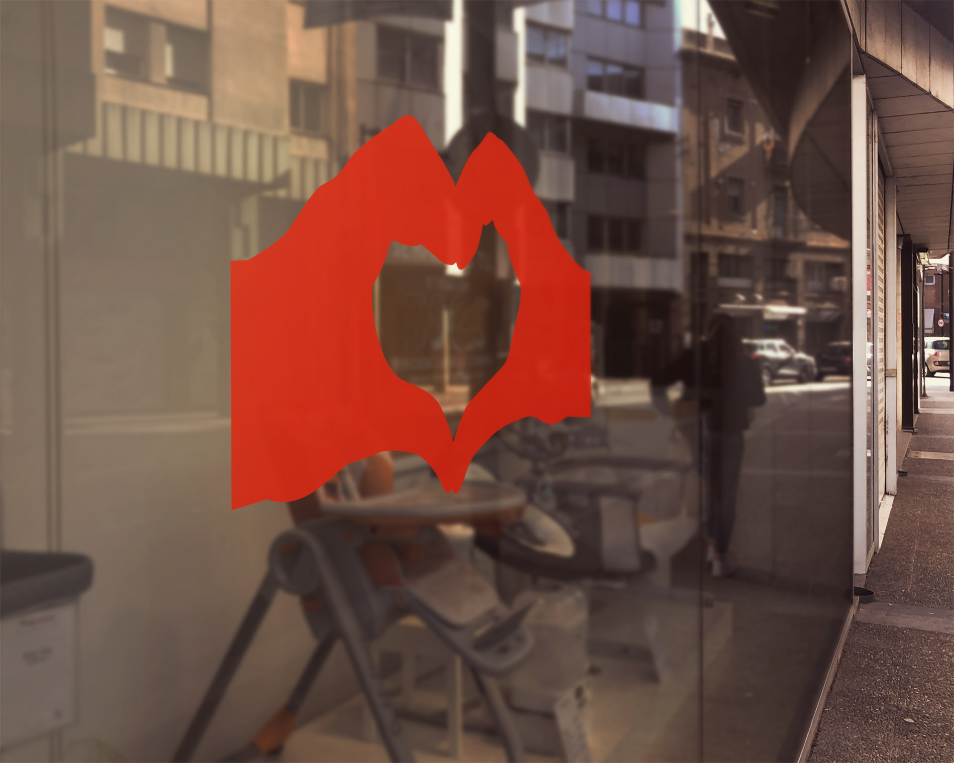 signcraft-rotterdam-hart-onder-de-riem-houdafstand-sticker-raam