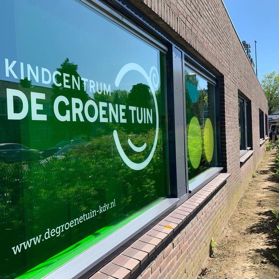 signcraft-rotterdam-gevelreclame-raamstickers-freesletters-kinderopvang-kindcentrum-sign-print-raamfolie
